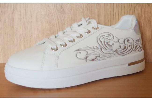 Дамски спортни обувки WHITE